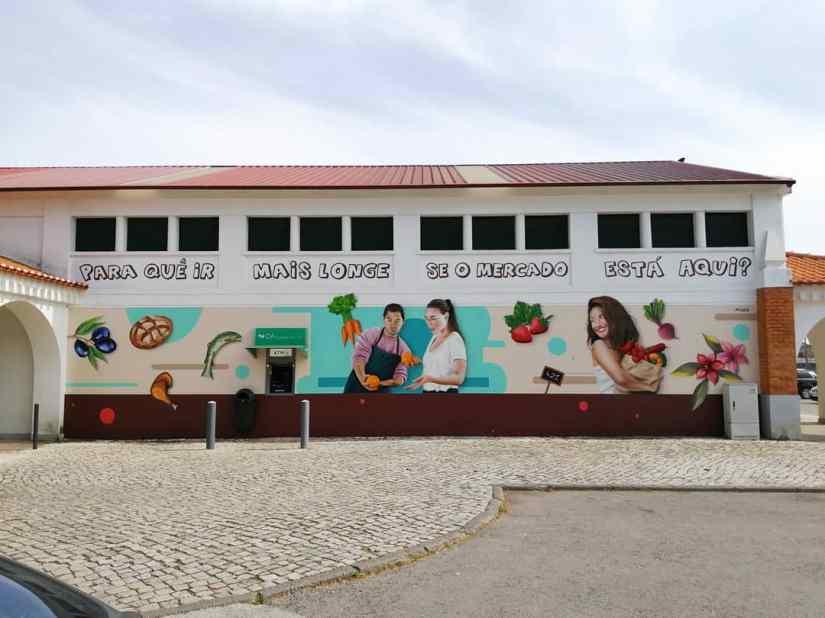 Graffiti arte urbana realizada no mercado municipal de Tomar por MiudoArte